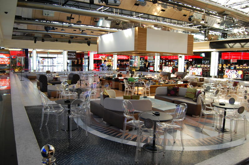 Cafe im Casino Estoril.jpg