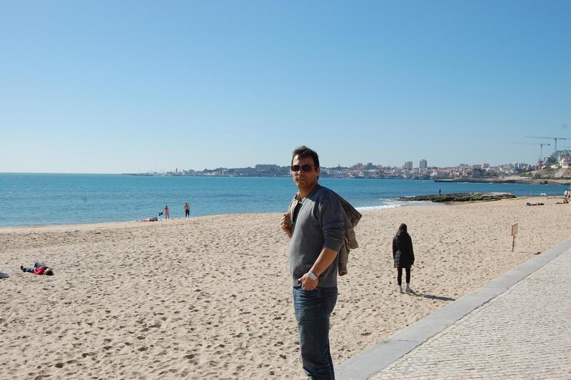 Roy am Strand von Estoril.jpg