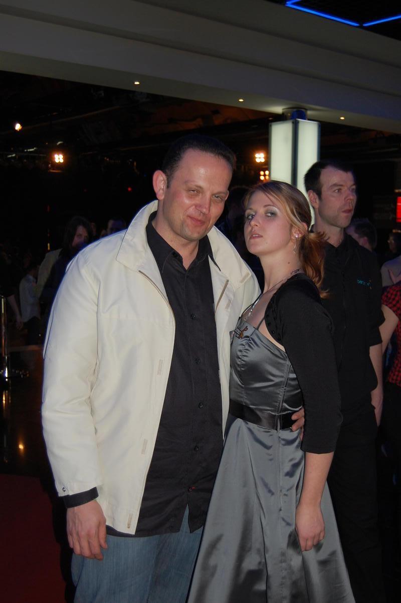 Duke 007 und das Bond Girl.jpg