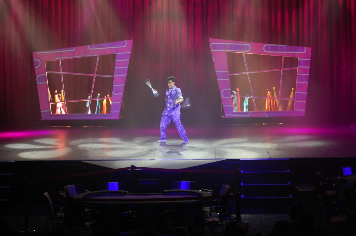 Show 4.jpg