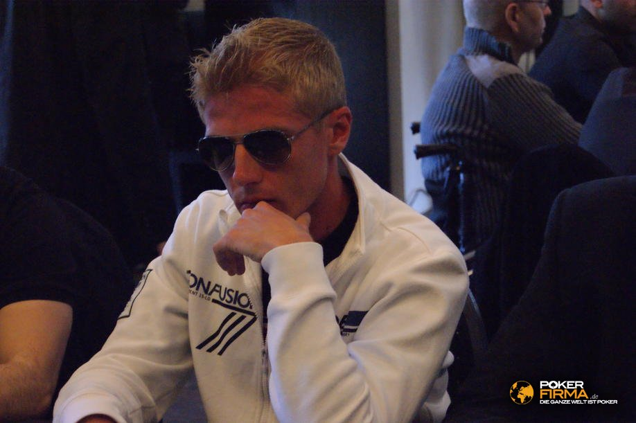 HH_Masters_2000_NLH_230510_Julien_bovicelli