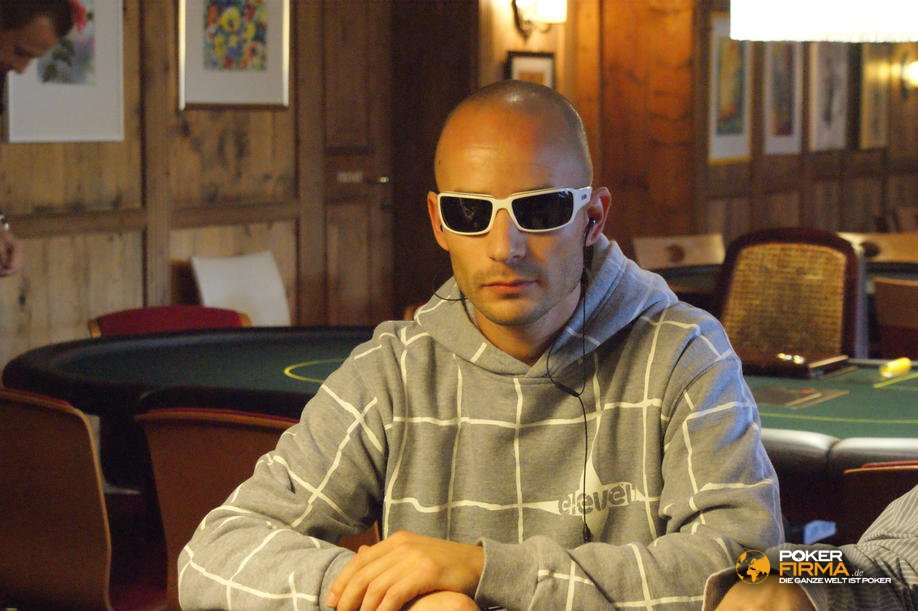 mountain_poker_party_1500_nlh_251009_alex_wiget.jpg