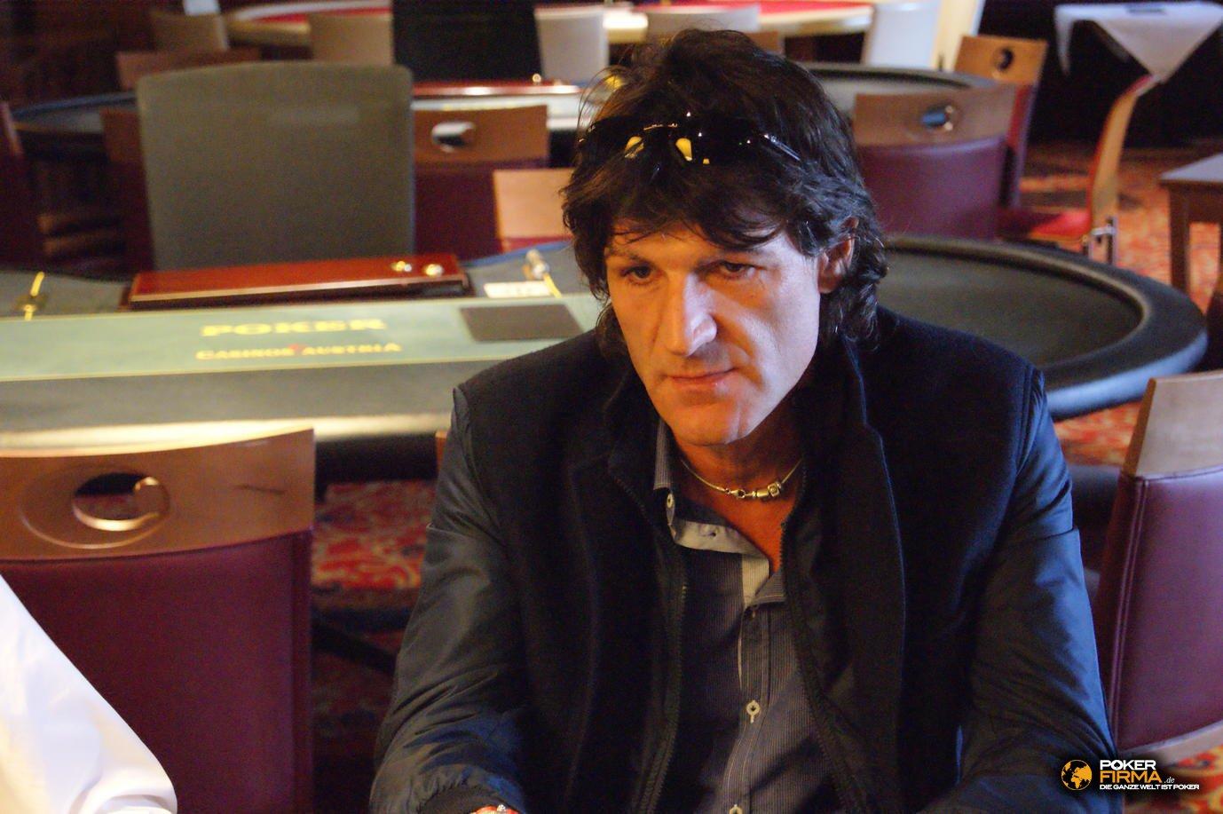 Mountain_Poker_Party_1500_NLH_081011_Paolo_Ossanna