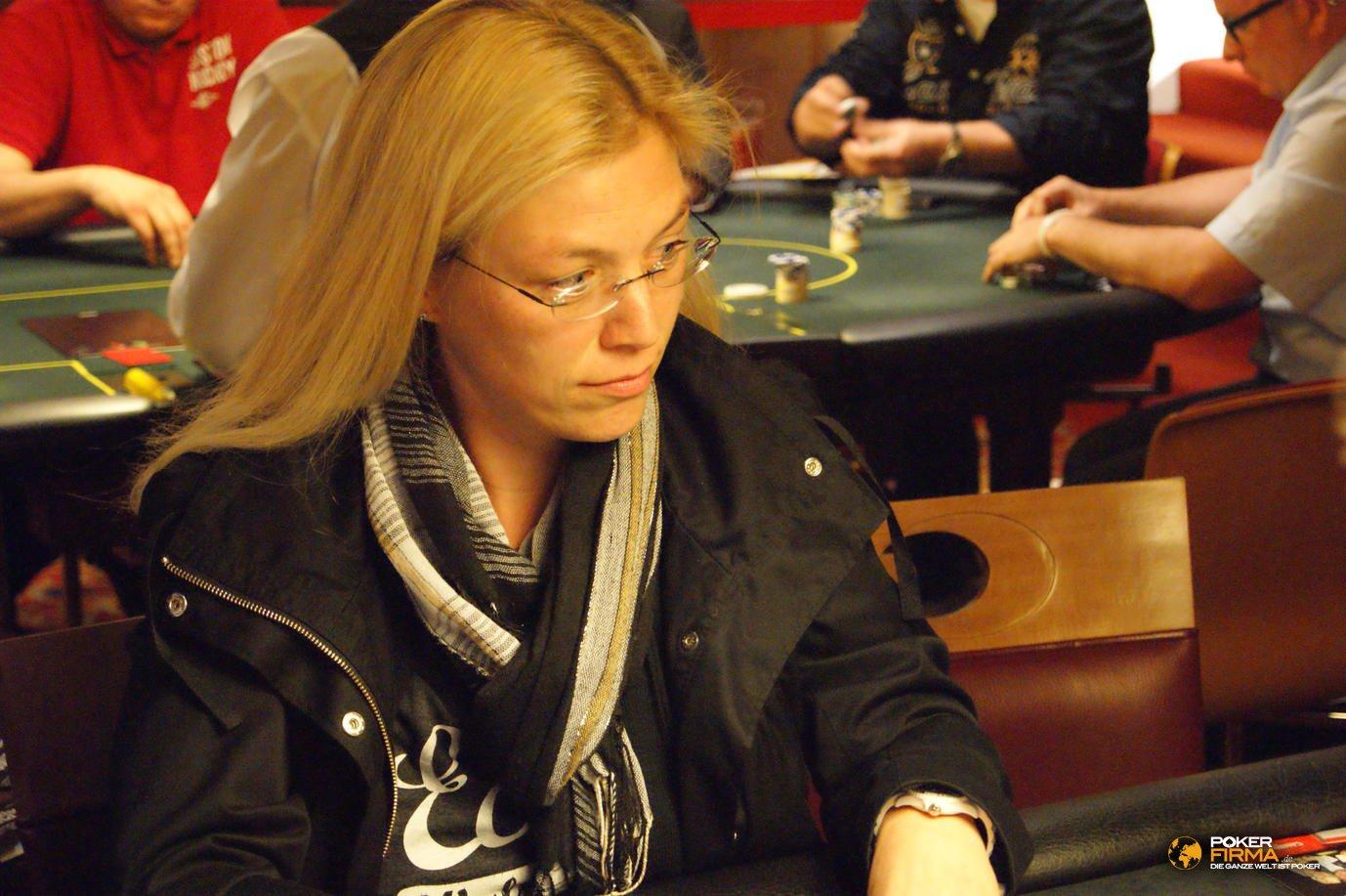 Mountain_Poker_Party_250_NLH_051011_Eva_Pirro