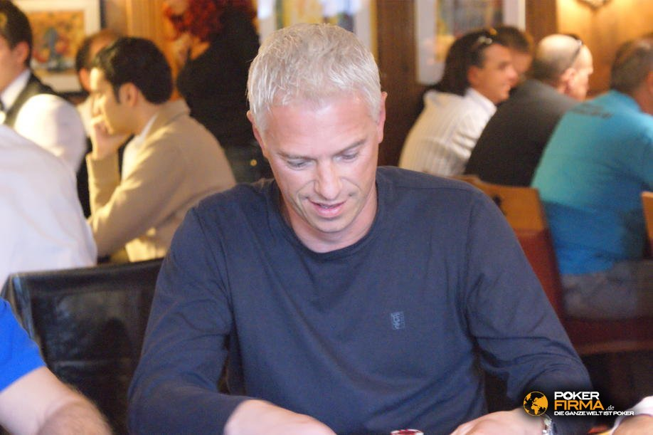 mountain_poker_party_800_nlh_231009_peter_jobelius.jpg