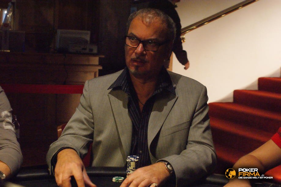 mountain_poker_party_800_nlh_231009_raffaele_lettera.jpg