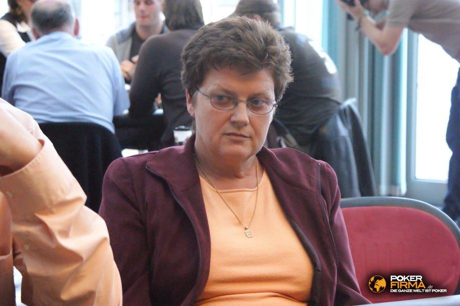 pokerem_1000_nlh_141009_marianne_ruck.jpg