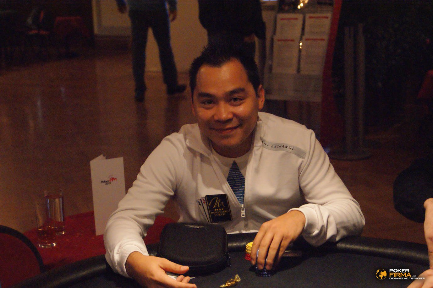 Poker_EM_300_NLH_011111_Hanh_Tran