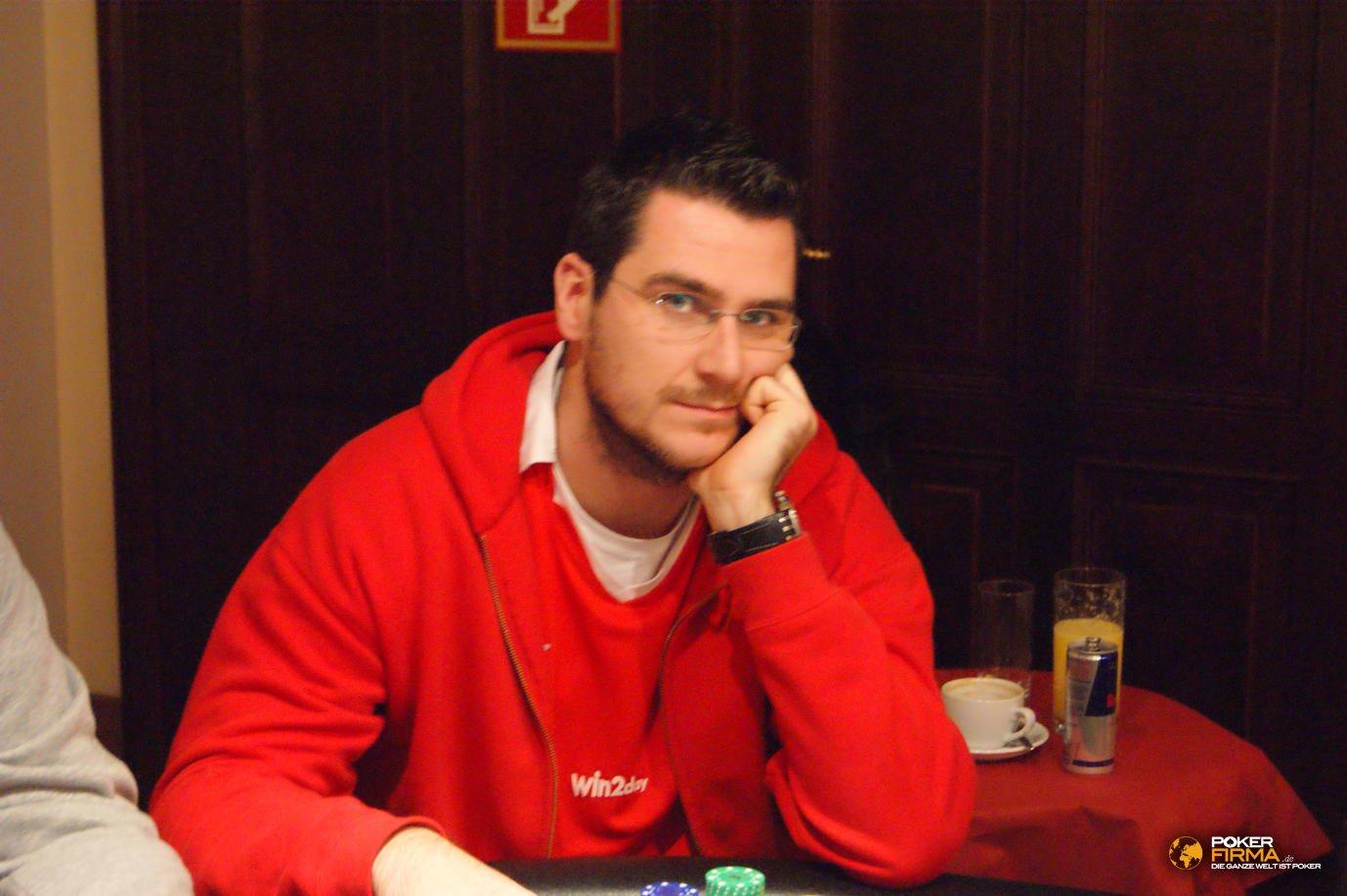 Poker_EM_300_NLH_011111_Josip_Simunic