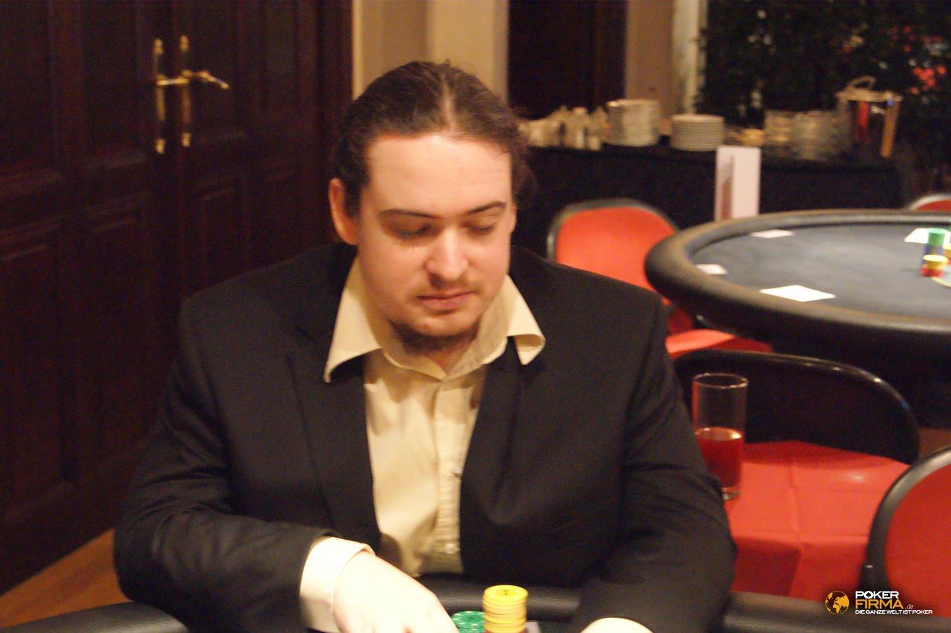 Poker_EM_300_NLH_011111_Michael_Foerster