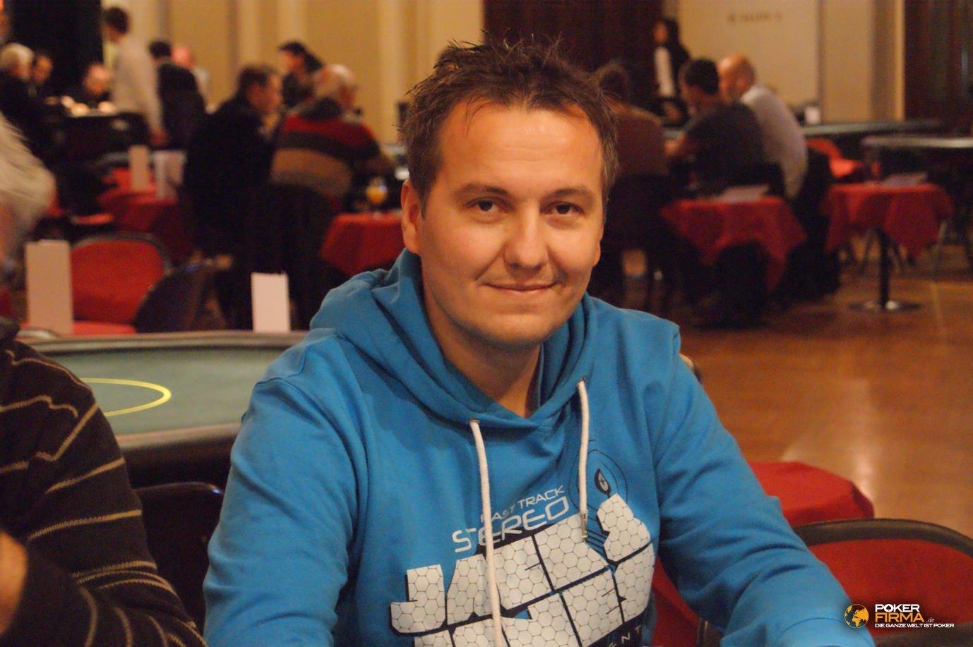 Poker_EM_300_NLH_011111_Pavel_Chalupka