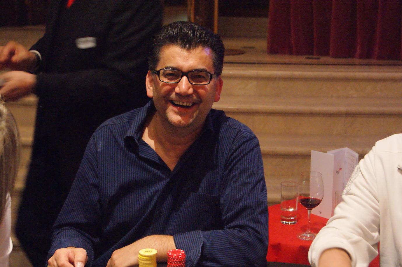 Poker_EM_500_NLH_FT_301011_Nino_Murati