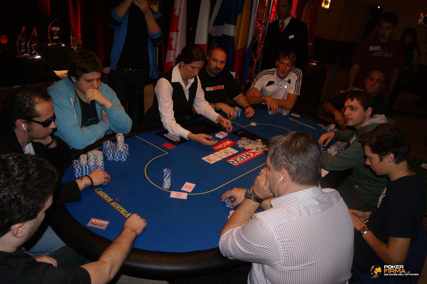 Poker_EM_2000_NLH_FT_271011_DSC03283