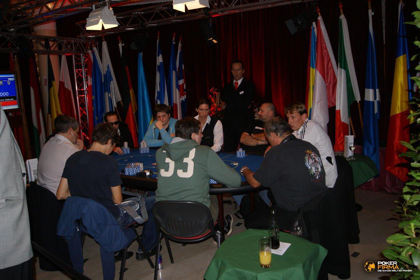 Poker_EM_2000_NLH_FT_271011_DSC03285
