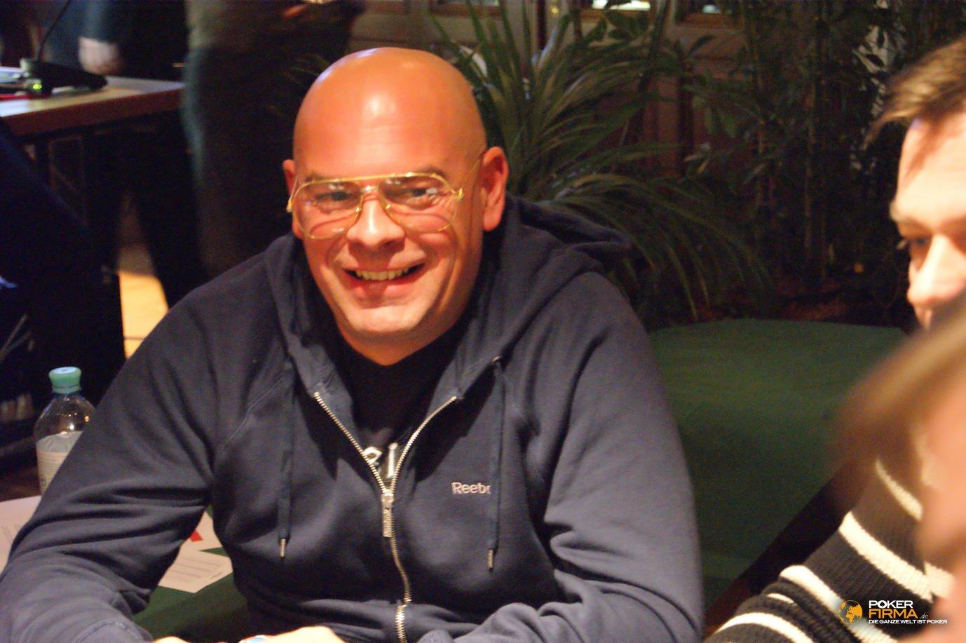 Poker_EM_2000_NLH_251011_Omar_Zanarini