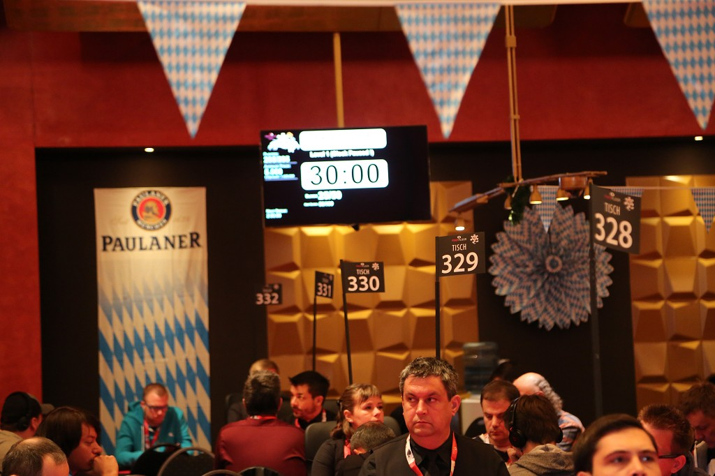 Mass poker events